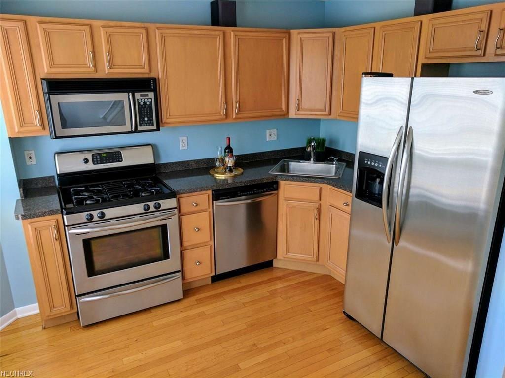 Imaginecozy Staging A Kitchen: Bright & Cozy